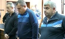 Задържаните служители на ДАИ-Пловдив изнудвали месарски бос за пари и луканки