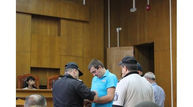 ВКС окончателно - 30г. затвор за Иван, който закла възрастно семейство в Пазарджик