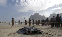 Най-опасните плажове в света. Акула убива туристи край о. Реюнион, радиация ги гони от атола Бикини.