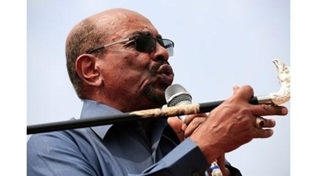 Бившият президент на Судан влиза в затвор. Ще лежи за корупция и пране на пари