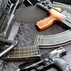 Калашник, пушки, пищови и патрони откриха в дома на хисарчанин