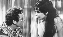 Забранената любов на Холивуд: Прислужницата на Марлон Брандо му ражда три деца