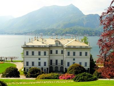 """Ференц Лист е бил сред гостите на вила """"Мелци"""", която е построена като лятна резиденция на Франциско Мелци, дясната ръка на Наполеон."""