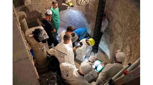 Намериха планина от скелети във Ватикана, но от Емануела Орланди ни вест, ни кост. Издирваха под Тевтонското гробище изчезналото момиче