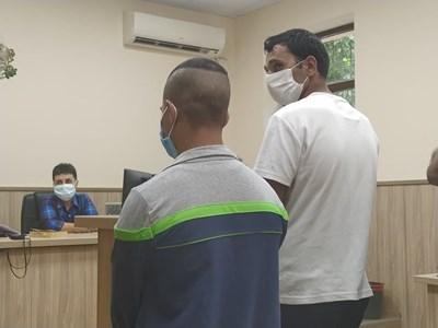 Асен Маринов (вляво) и Павел Асенов получиха наказания за нападението над възрастния човек