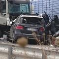 Катастрофата между товарен автомобил и джип с румънска регистрация, станала на 13 октомври на обходния път край Елхово. Снимка: БТА