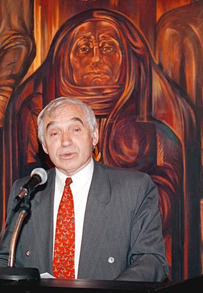 Желю Желев е действащ президент, когато дъщеря му се самоубива.  СНИМКА: АРХИВ