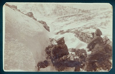 """Редовите войници, сражавали  се в Първата  световна война, са пишели  в дневниците си дори и при  затишие в окопа, в студ и сняг.  СНИМКИ: ДЪРЖАВНА АГЕНЦИЯ """"АРХИВИ"""""""