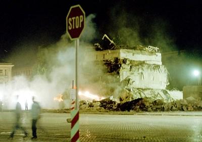 6 дни продължи разрушаването на мавзолея СНИМКА: Дeсислава Кулeлиeва