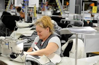 """""""АЛС България"""" затваря трите си предприятия в България заради липсата на поръчки и на работна ръка. СНИМКА: Снимка: Фейсбук"""