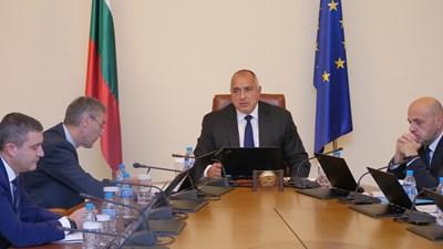 Борисов нареди да махнат шефовете на 3 болници преди началото на заседанието на министрите. Снимка ЙОРДАН СИМЕОНОВ