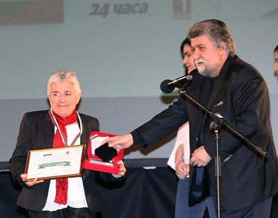 """Арх. Фикрие Булунмаз бе наградена през 2018 г. в кампанията на """"24 часа"""" """"Достойните българи""""."""
