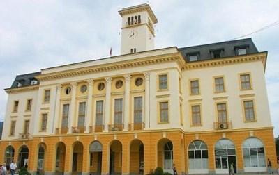 Новогодишното тържество в Сливен тази вечер е пред сградата на общината. СНИМКА: Архив