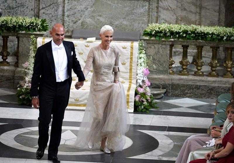 Певицата заедно със съпруга си Микаел Болиос  СНИМКИ: РОЙТЕРС