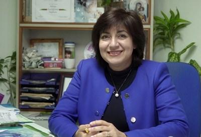 доц. Мария Стаевска