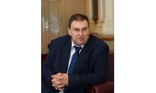 Емил Радев: Държавата губи, защото кара вечните длъжници да влизат в сивия сектор