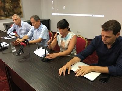 """Ръководството на фондация """"Дом за пловдивската опера"""" поиска конкретни стъпки от кмета. Снимки: Авторът"""