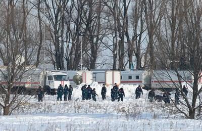 Останки от самолета бяха намерени в района на селището Степановское, Раменски район на Подмосковието СНИМКА: Ройтерс