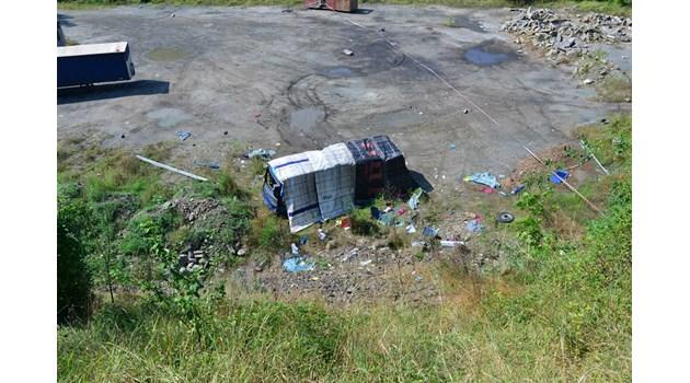 Година след зверската катастрофа край Своге: пътят продължава да е опасен, делото се бави, шофьорът с 3 опита за самоубийство