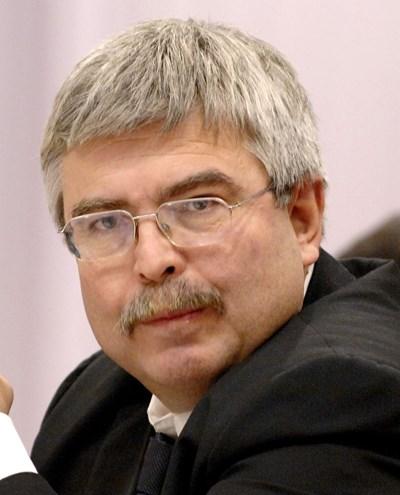 Емил Хърсев: Eмисията по новия дълг бе направена професионално
