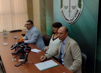 Полиция и прокуратура разкриват някои детайли около убийството на Юмер..