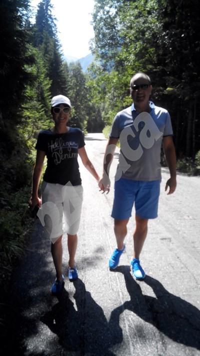 """Цветан Цветанов и съпругата му малко под хижа """"Бъндерица"""" в Пирин. Снимка: Авторката СНИМКА: 24 часа"""