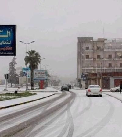 Сняг заваля дори в Египет и Либия (Видео)
