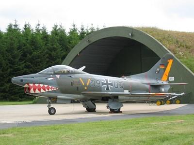 Военновъздушната база в Бюхел