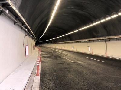 """На 19 март т.г. бе пуснато движението без ограничения след ремонта в тунел """"Витиня"""" на автомагистрала """"Хемус""""  Снимка: АПИ"""