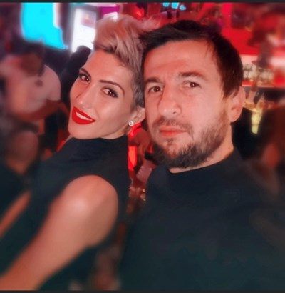 Ромина и Дарко Тасевски имат три деца. Най-голямото от тях - Дария, се включи в кампанията на Народния театър. СНИМКА: ФЕЙСБУК