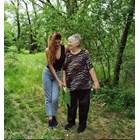 Михаела се разходи с баба си в Еленския Балкан