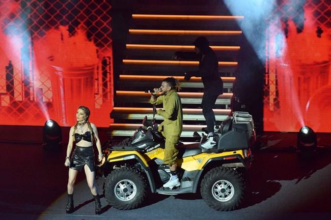 Pavell & Venci Venc' излязоха с АТВ на сцената.