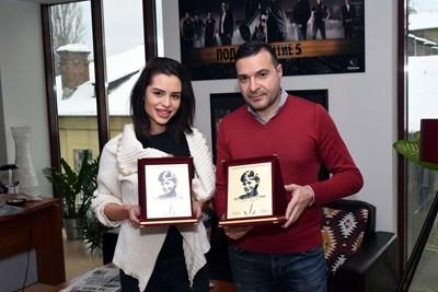 Александра Николаева и Слави Ангелов с наградите си СНИМКА: ВЕЛИСЛАВ НИКОЛОВ