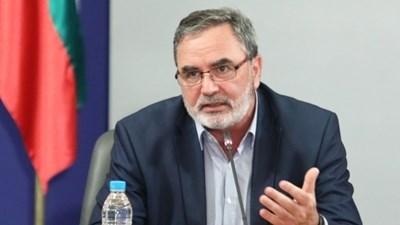 Гавният държавен здравен инспектор и член на Националния оперативен щаб доц. д-р Ангел Кунчев СНИМКА: МС