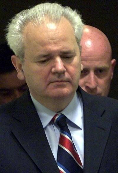 Слободан Милошевич СНИМКА: Ройтерс