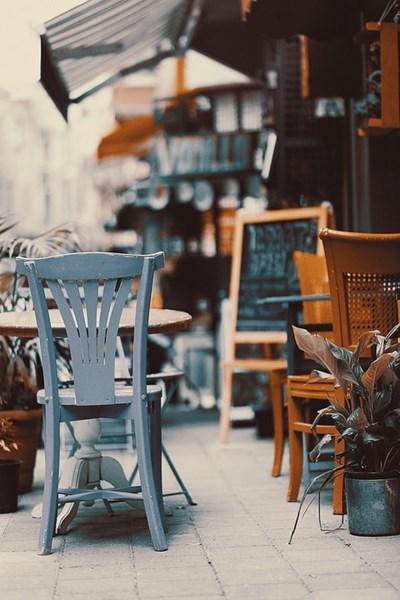 Кафенетата и ресторантите затварят при определен брой приети в болница СНИМКА: Pixabay