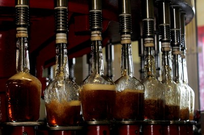 За първи път в изследванията за двоен стандарт ще бъдат включени и проби от алкохол СНИМКА: РОЙТЕРС