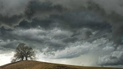 Още преди обяд от север облачността, предимно висока и средна, ще започне да се увеличава СНИМКА: Pixabay