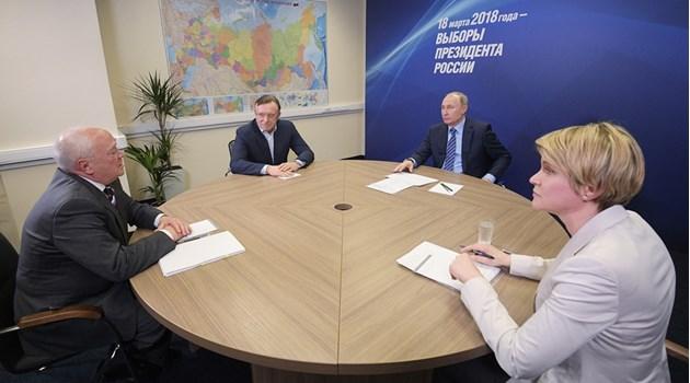 Кои са тримата организатори на кампанията на Путин. Според слухове Елена Шмелева му е роднина