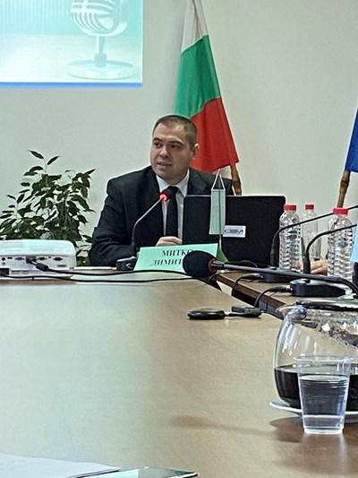 Митко Димитров по време на изслушването си пред СЕМ в конкурса за генерален директор на БНР