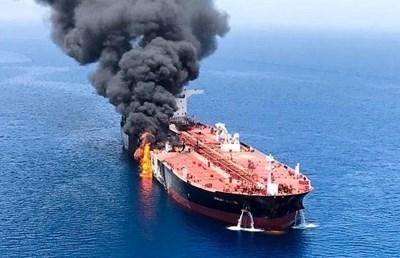Атакуваният през юни танкер в Оманския залив. Снимка РОЙТЕРС