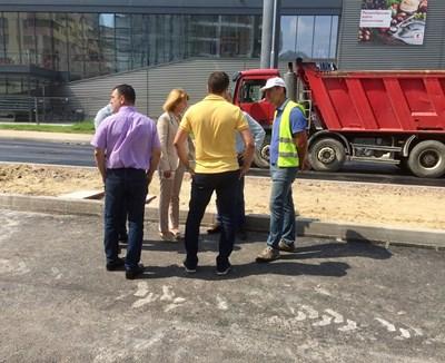 """Столичният кмет Йорданка Фандъкова провери разширението на бул. """"Т. Каблешков"""".  СНИМКА: АВТОРЪТ"""