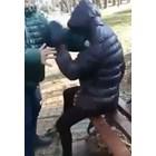Тийнейджър налага с шамари и ритници момиче в Кубрат, а негов приятел снима (Видео)