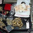 Част от златото и парите, иззети при акцията на полицията