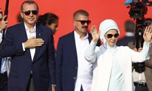 Година след преврата Турция е най-големият затвор за хората на словото. Ердоган може да бъде съден за геноцид в Швеция