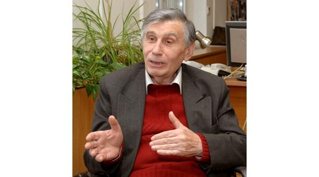 Слави Трифонов няма политически багаж и идеи