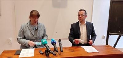 Министърът на труда и социалната политика Деница Сачева и с кмета на Добрич Йордан Йорданов СНИМКА: Авторката