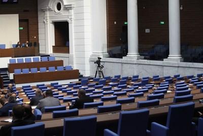 Депутатите единодушно приеха Закона за българския жестов език.