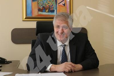 """Проф. Асен Балтов чрез """"24 часа"""" отчете първите дарения. СНИМКА: 24 часа"""