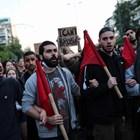 Безредици край американското посолство в Атина, 12 са задържани (Снимки)
